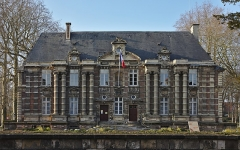 Château - Français:   L\'hôtel de ville d\'Harfleur, ancien château.
