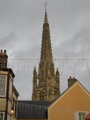 Eglise Saint-Martin - Français:   L\'église Saint-Martin d\'Harfleur: le clocher vu de la place Victor-Hugo.
