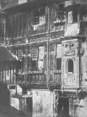 Ancienne abbaye de Saint-Amand - English: House front, Maison Saint-Armand. Gothic/Renaissance. Rouen. Unsigned. Dated August 20, 1855.