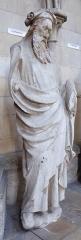 Ensemble archiépiscopal - Statue d'un prophète, anciennement sur la façade de la cathédrale de Rouen et exposée au moment de la photo dans le déambulatoire