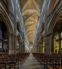 Ensemble archiépiscopal - English: The nave of Notre-Dame de Rouen as seen from west