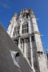 Eglise Saint-Ouen et Chambre des Clercs - Contre plongée de la tour de l'Abbaye Saint-Ouen