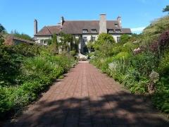 Domaine du Bois des Moutiers - British horticulturist, garden designer, artist and writer