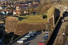 Château, actuellement musée d'Art et d'Histoire, et enceinte urbaine -  Les fortifications de la citadelle de Belfort.