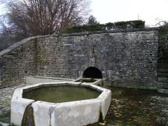 Fontaine Saint-Léger - Français:   Fontaine Saint-Léger