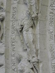 Eglise Saint-Gilles - Portail occidental de l'église Saint-Gilles d'Argenton-Château (79). 4ème voussure. Collège apostolique entourant le Christ. Détail. Saint-André.