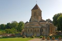 Eglise Saint-Hilaire - Église Saint-Hilaire de Melle, vue arrière 2