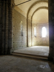 Ancienne église Saint-Savinien - Français:   Intérieur de l\'église Saint-Savinien de Melle (79). Chœur.