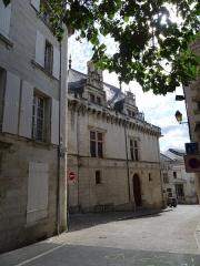 Ancien hôtel de ville, dit Le Pilori - Français:   Côté ouest du Pilori (Ancien Hotel de Ville) à Niort