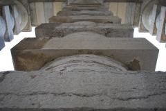 Ancienne saline royale, actuellement Fondation Claude-Nicolas Ledoux - L'une des colonnes du portail de la maison du directeur de la saline royale d'Arc-et-Senans.