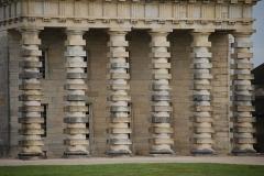 Ancienne saline royale, actuellement Fondation Claude-Nicolas Ledoux - Colonnes du portail de la maison du directeur de la saline royale d'Arc-et-Senans.