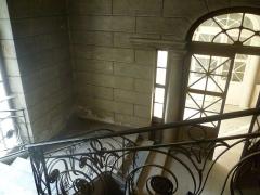 Hôtel de Camus - English: Vestibule de l'hôtel Camus de Besançon depuis l'escalier