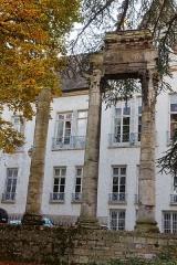 Jardin public - Français:   Vestiges gallo-romain du square Castan à Besançon.