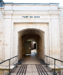 Château de Joux - Français:   Entrée du fort de Joux. Château de Joux