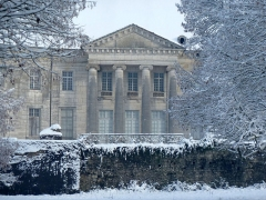 Domaine du château de Moncley - This building is indexed in the Base Mérimée, a database of architectural heritage maintained by the French Ministry of Culture,under the reference PA00101672 .