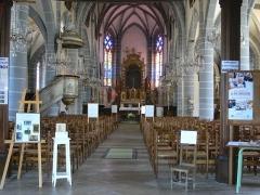 Eglise Saint-Laurent - Intérieur de l'église Saint-Laurent d'Ornans (Doubs, Franche-Comté)