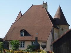 Château Pécaud et Tour Velfaux - Français:   Château Pécaud et Tour Velfaux (arrière) en Arbois (39)