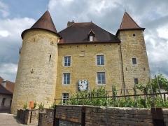Château Pécaud et Tour Velfaux - English: Sight of the Château Pécauld castle, hosting the musée de la vigne et du vin wine museum of Arbois in Jura, France.