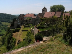 Abbaye - This building is indexed in the Base Mérimée, a database of architectural heritage maintained by the French Ministry of Culture,under the reference PA00101823 .