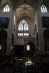 Eglise Notre-Dame - Intérieur de la basilique Notre-Dame de Dole (39). Transept.