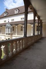 Hôtel-Dieu - Cloître de l'Hôtel-Dieu de Dole (39).