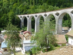 Viaduc - This building is indexed in the Base Mérimée, a database of architectural heritage maintained by the French Ministry of Culture, under the reference PA00101965 .