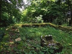 Petit temple antique ou fanum - English: Ruins of the gallo-roman fanum of Pupillin near Arbois in Jura, France.