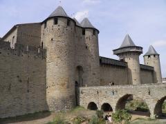 Cité de Carcassonne - Remparts de la cité de Carcassonne (Aude, France).