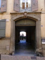 Maison Guilhem - Français:   La Maison Guilhem - portail.
