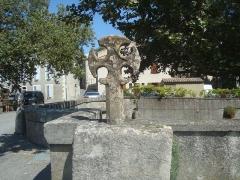 Croix située sur le pont - Español: