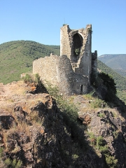 Ruines des quatre châteaux - This building is classé au titre des Monuments Historiques. It is indexed in the Base Mérimée, a database of architectural heritage maintained by the French Ministry of Culture, under the reference PA00102727 .