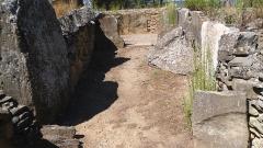 Monument mégalithique, dit Allée couverte de Saint-Eugène, sur le domaine de Russol - Français:   Allée couverte de Saint-Eugène (domaine de Russol, Laure-Minervois