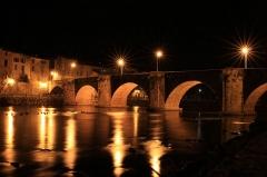 Pont-Neuf qui relie les deux rives de l'Aude près de l'église Saint-Martin - Français:   Pont-Neuf décembre 2014