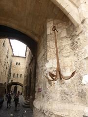 Ancien archevêché et ses abords - Français:   Passage de l\'ancre au Palais des archevêques