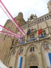 Ancien archevêché et ses abords - Français:   Façade du Palais des archevêques