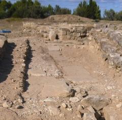 Vestiges de l'oppidum de Pech de Maho - Pech Maho en 2011 habitat 79/3