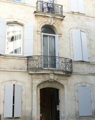 Hôtel - Français:   Beaucaire (Gard, France),  hôtel particulier dans la rue de l\'Hôtel-de-Ville.