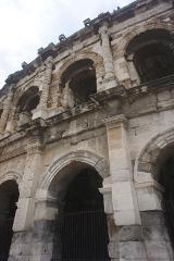 Amphithéatre ou Arènes - Les Arcades des Arènes de Nîmes.