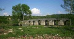 Pont Charles-Martel sur la Cèze -  Brücke über die Cèze bei La Roque-sur-Céze