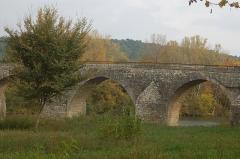 Pont Charles-Martel sur la Cèze - Français:   Pont Charles-Martel sur la Cèze