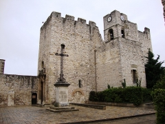Eglise Saint-Laurent - English:   St.Laurent-des-Arbres (Gard, Fr) église-château, XIIe-XIVe siècles