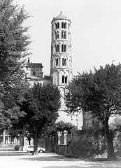 Ancienne cathédrale Saint-Théodorit - Cathédrale Saint Théodorit cathédrale, tour Fenestrelle