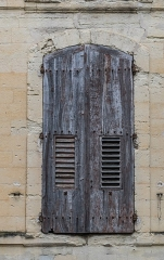 Maison - English: Window of the building at 21 rue du Dr Blanchard in Uzès, Gard, France