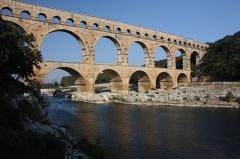 Pont du Gard et aqueduc romain de Nîmes - English:   Roman bride upon the River Gard, in 2009.
