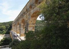 Pont du Gard et aqueduc romain de Nîmes - English:   Pont du Gard, France