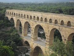 Pont du Gard et aqueduc romain de Nîmes - Français:   Vue du Pont du Gard