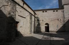 Ancienne abbaye Saint-Aphrodise - Français:   Cloître de la Basilique Saint-Aphrodise de Béziers