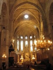 Ancienne cathédrale Saint-Nazaire et cloître Saint-Nazaire - Español: Cathédrale Saint-Nazaire Interior