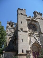 Ancienne cathédrale Saint-Nazaire et cloître Saint-Nazaire - Català: Façana i campanar de l'antiga catedral de Sant Nazari (Besiers)