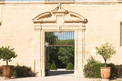 Domaine de Castries -  Garden gate giving access to the terrace.